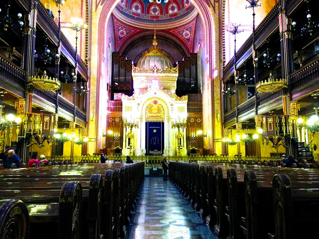 Inside the Great Synagogue in Budapest