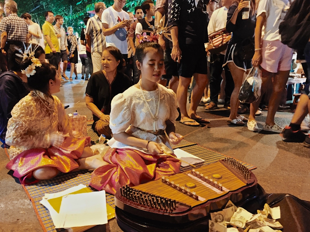 A street performer at the Chiang Mai Sunday Night Market
