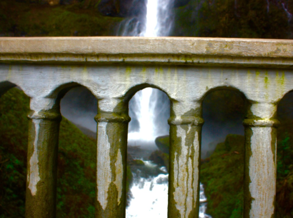 columbia river gorge oregon waterfall