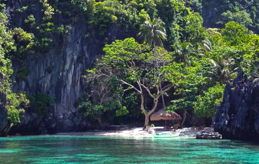 El nido private beach